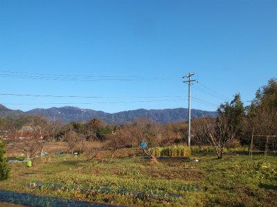2.11青空が広がる畑