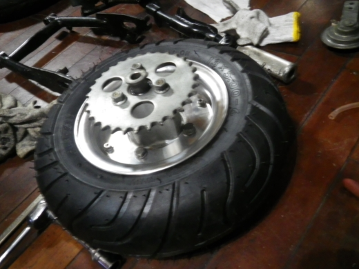 タイヤが>< (6)