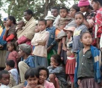 サルバラチ村 イベントに集まった人々