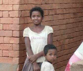 サルバラチ村の美少女と美少年