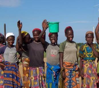 アフリカの農村の女性