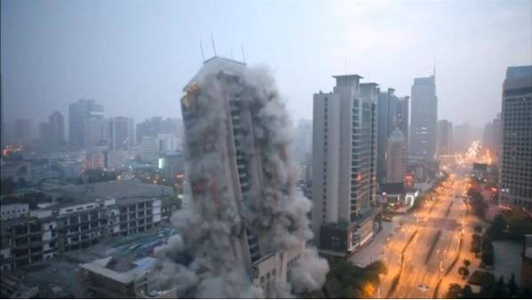 2015-12-23中国のビル取り壊し写真2