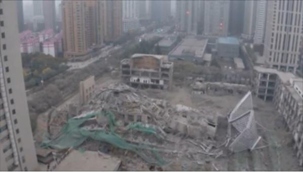 2015-12-23中国のビル取り壊し写真3