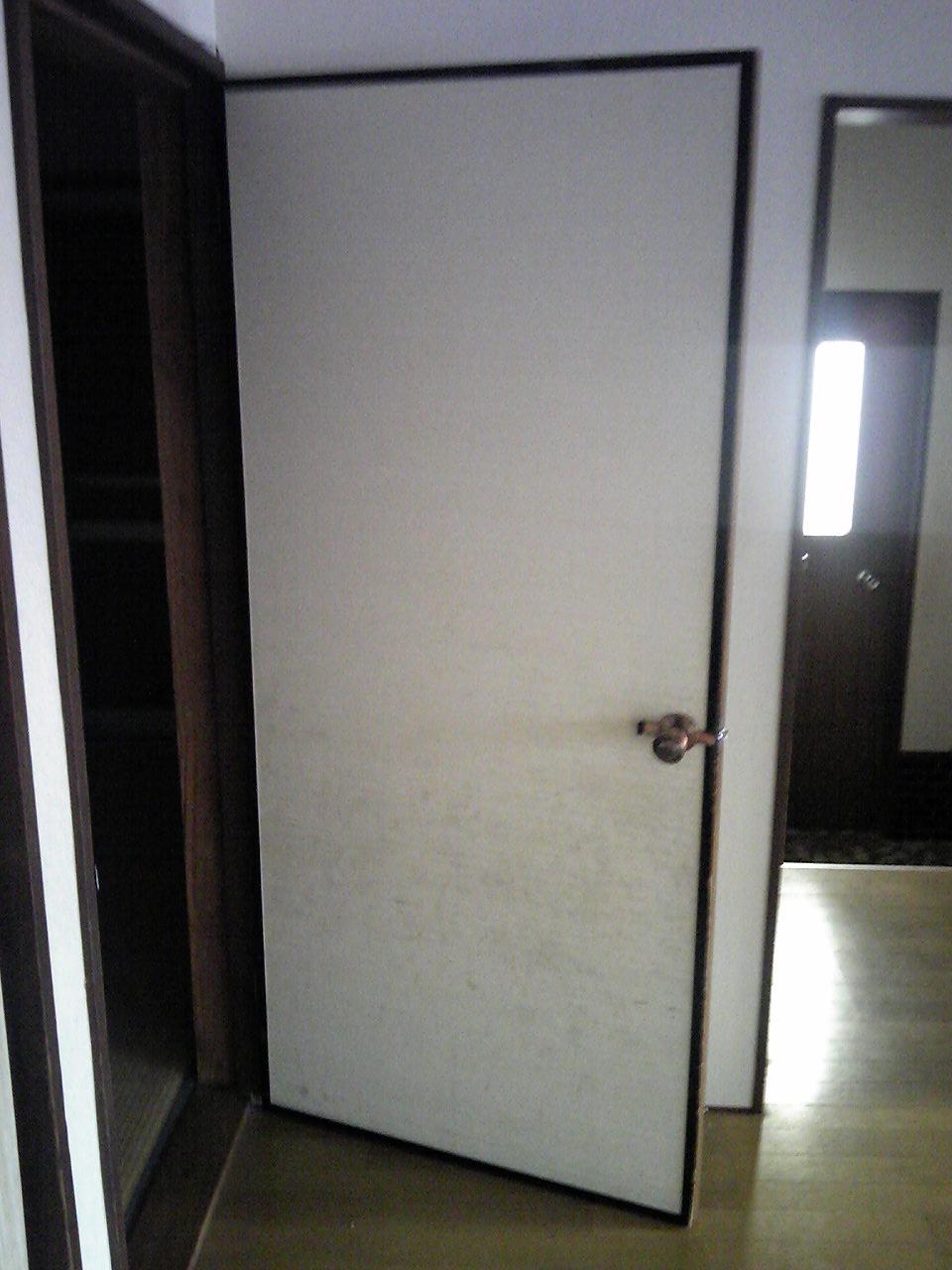 半面クロスドア