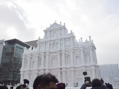 巨大雪像1 (400x300)