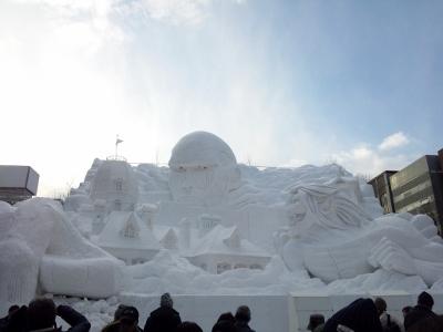 進撃の巨人雪像2 (400x300)