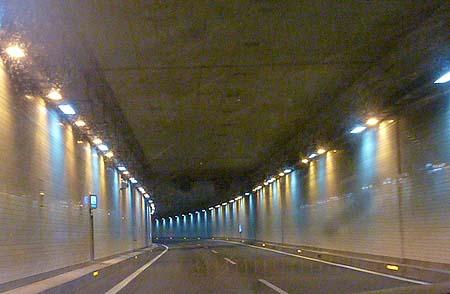 圏央道トンネル