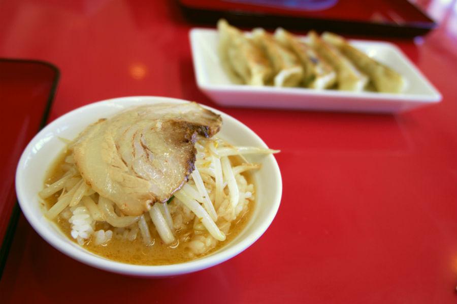 くるまやラーメン 下戸祭店@宇都宮市下戸祭 餃子・半ライス