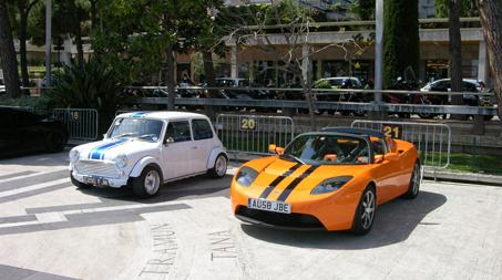 普通車と軽自動車