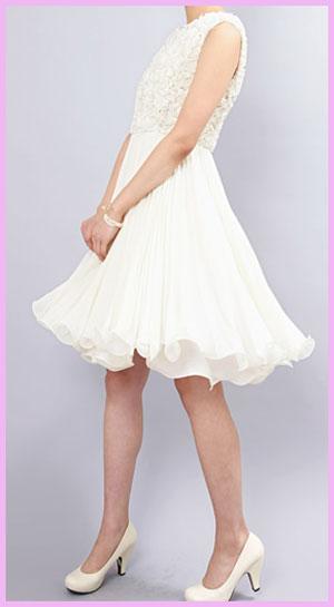 ゲスト白ドレス