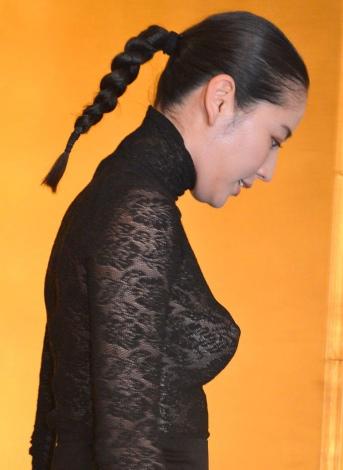 【画像あり】長澤まさみ、バストラインがはっきりとわかる黒のシースルードレスで魅了2