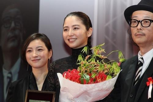 【画像あり】長澤まさみ、バストラインがはっきりとわかる黒のシースルードレスで魅了7