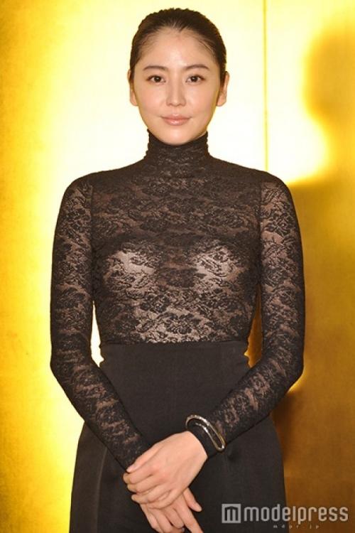 【画像あり】長澤まさみ、バストラインがはっきりとわかる黒のシースルードレスで魅了16