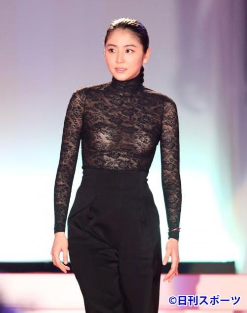 【画像あり】長澤まさみ、バストラインがはっきりとわかる黒のシースルードレスで魅了18