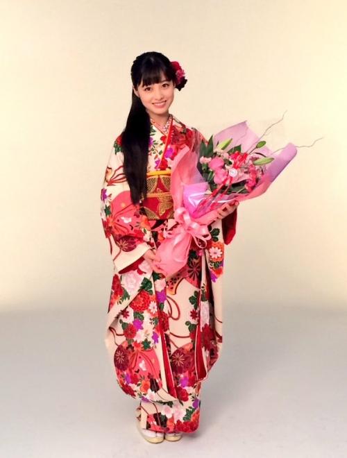 橋本環奈ちゃんが振り袖姿の写真公開1