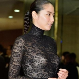 【画像あり】長澤まさみ、バストラインがはっきりとわかる黒のシースルードレスで魅了