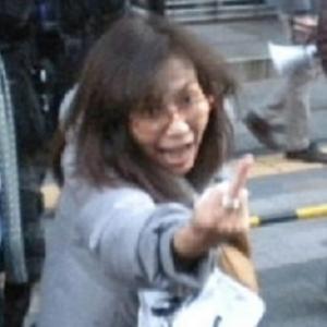 精神異常者・香山リカ「馬鹿野郎!豚野郎、死ね!」…中指を突き立てヘイトスピーチ【動画あり】