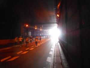 トンネル出口直前
