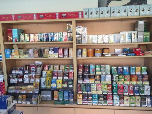 山梨甲府臭いの少ない煙が出ないアイコスタバコiQOS販売取扱いタバコ店