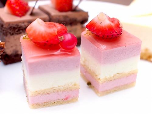 ストロベリーヨーグルト02@東京ベイ舞浜ホテル クラブリゾート DINING SQUARE THE ATRIUM 2015年11月