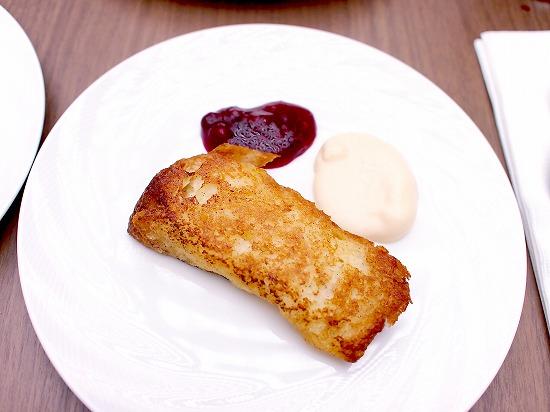 バタースコッチのフレンチトースト マスカルポーネクリームとベリーのコンポート01@東京ベイ舞浜ホテル クラブリゾート DINING SQUARE THE ATRIUM 2015年11月