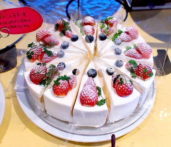 苺のショートケーキ01@TART&CAKE BUFFET@MACARONI MARKET(マカロニ市場) 松戸店 2016年01月