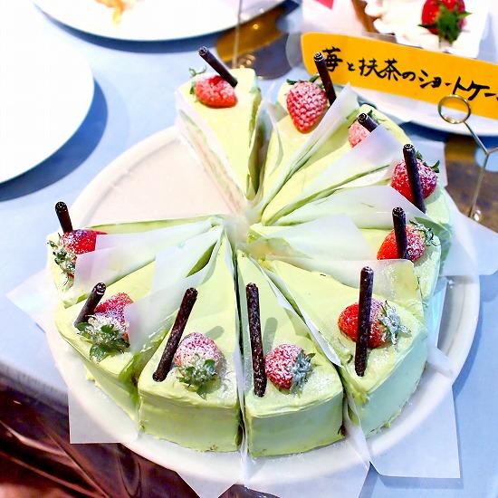 苺と抹茶のショートケーキ01@TART&CAKE BUFFET@MACARONI MARKET(マカロニ市場) 松戸店 2016年01月