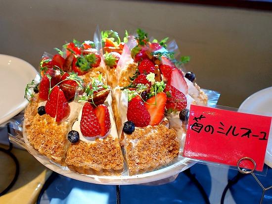 苺のミルフィーユ01@TART&CAKE BUFFET@MACARONI MARKET(マカロニ市場) 松戸店 2016年01月