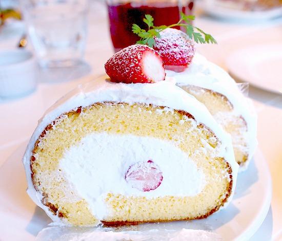 苺のロールケーキ02@TART&CAKE BUFFET@MACARONI MARKET(マカロニ市場) 松戸店 2016年01月