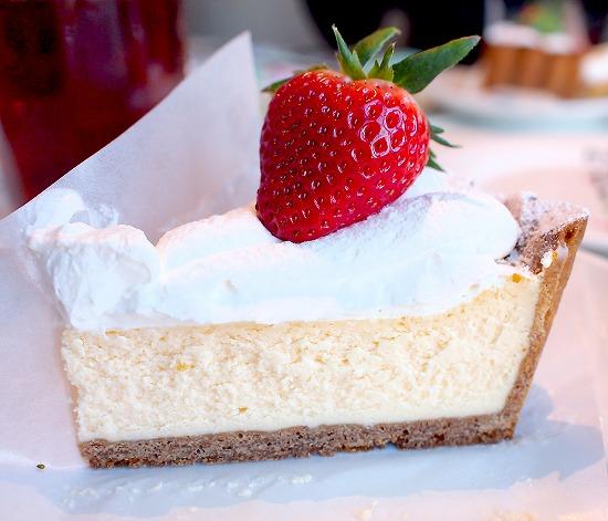 苺のチーズタルト02@TART&CAKE BUFFET@MACARONI MARKET(マカロニ市場) 松戸店 2016年01月