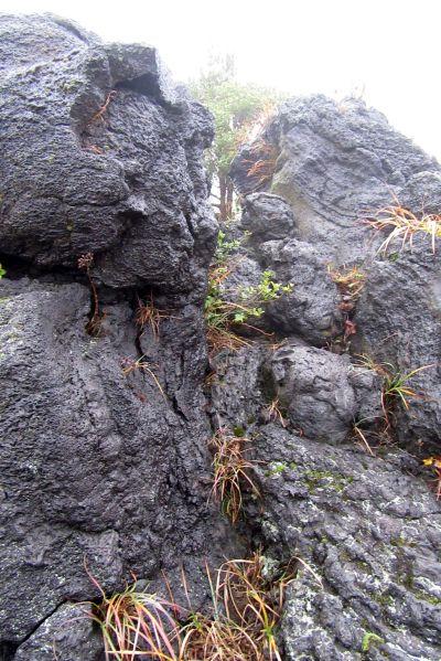 溶岩が流れた跡