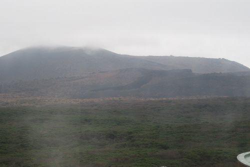 割れ目噴火の溶岩流
