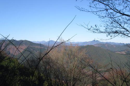 陣馬山と奥多摩の山