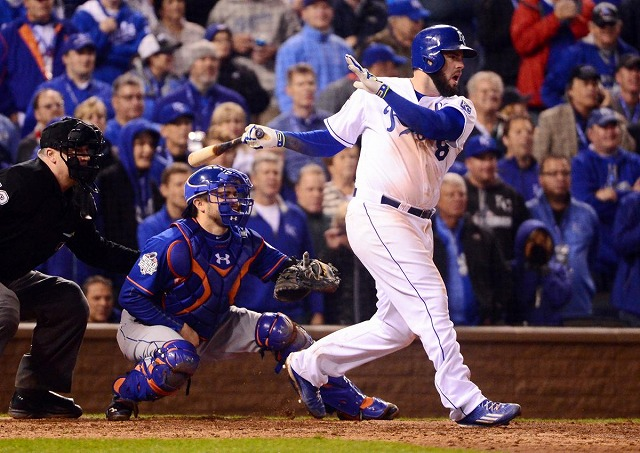 Mike Moustakas 201602133