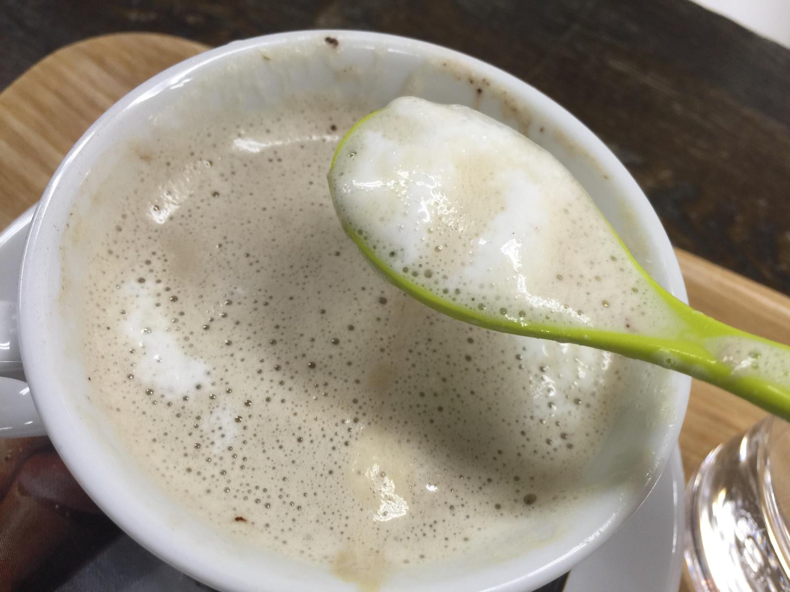 新世界にあるこだわりのコーヒー屋さん【スラウェシ ビーンズ ジャパン】マシュマロ入りラテトロトロ