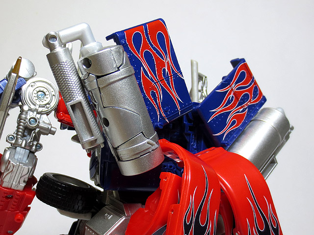 TF_RA24_Buster_Optimus_Prime_02_17.jpg