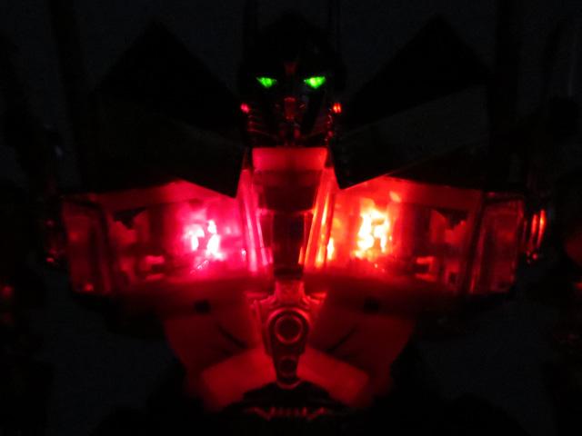 TF_RA24_Buster_Optimus_Prime_02_27.jpg