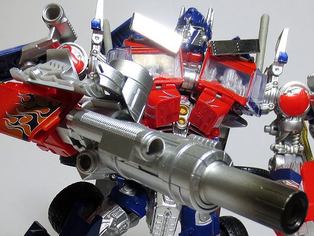 TF_RA24_Buster_Optimus_Prime_02_29.jpg