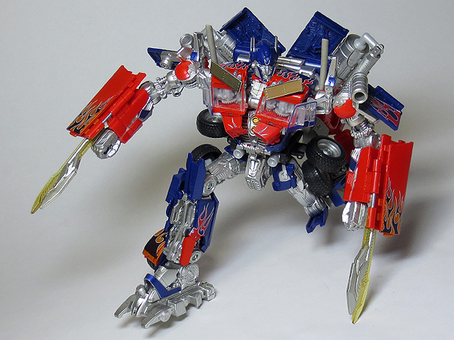 TF_RA24_Buster_Optimus_Prime_02_31.jpg
