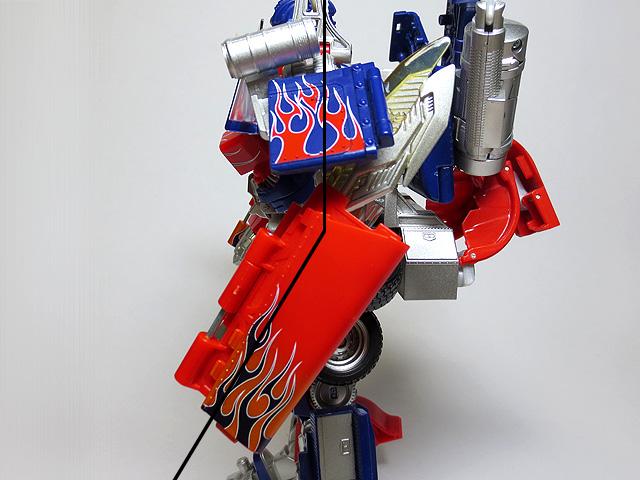 TF_RA24_Buster_Optimus_Prime_02_32.jpg