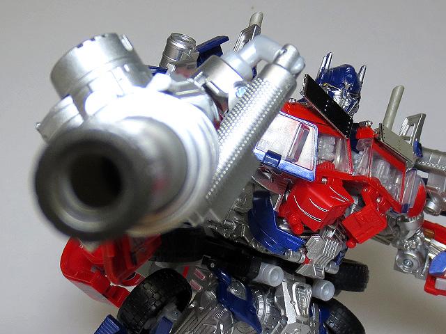 TF_RA24_Buster_Optimus_Prime_02_35.jpg