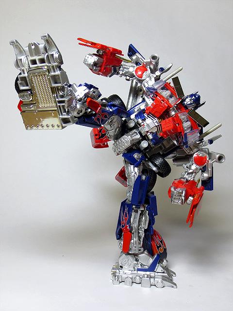 TF_RA24_Buster_Optimus_Prime_02_36.jpg