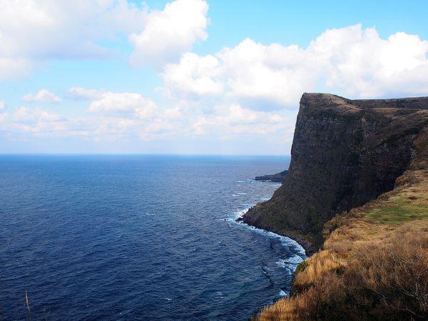 摩天崖を望む