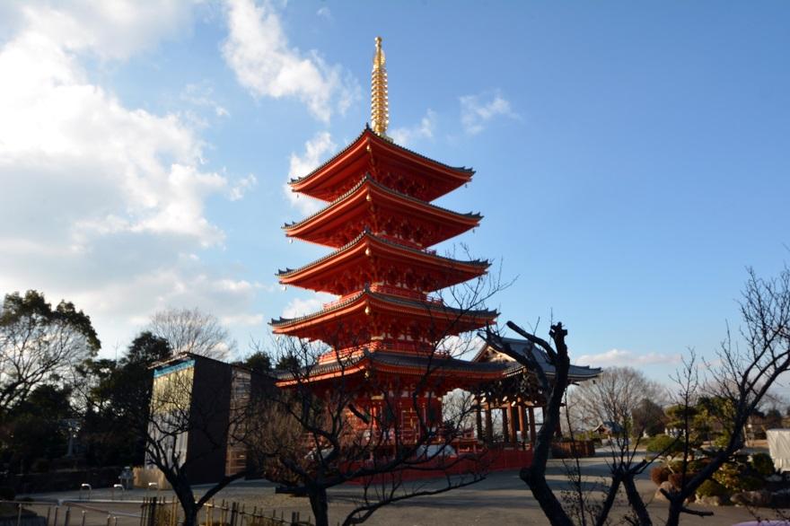 岩昭寺の朱き、五重塔 (1)