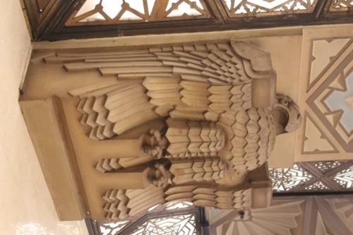 0029:大丸心斎橋店本館-ex 梁部分にデザインされた鷲の彫刻