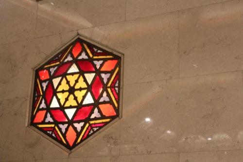 0029:大丸心斎橋店本館-ex エスカレータ付近のステンドグラス