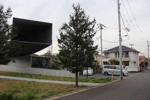 0033:ホキ美術館 すぐ隣はニュータウン…