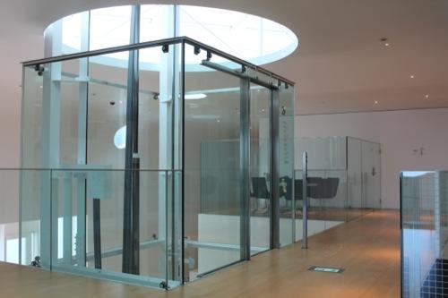 0034:横須賀美術館 ガラスのエレベーター