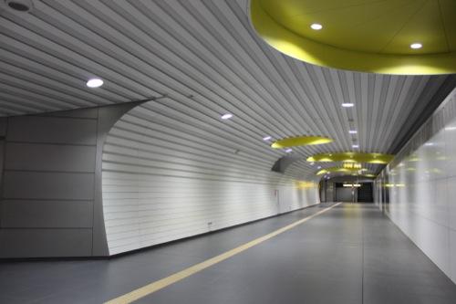 0037:新高島駅舎 B1階連絡通路①