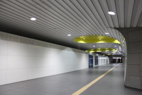 0037:新高島駅舎 B1階連絡通路②